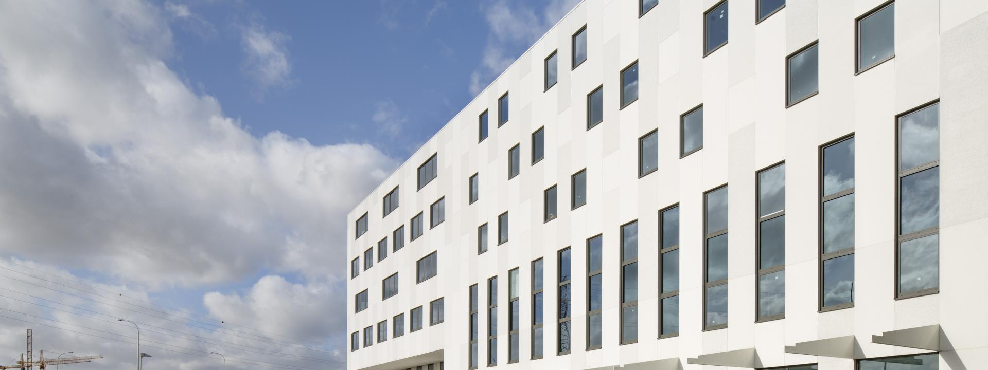 Wit cement - Accent Business Park - Architect: BURO II en ARCHI+I - Roeselare.